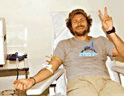Lorenzo Jovanotti dona sangue
