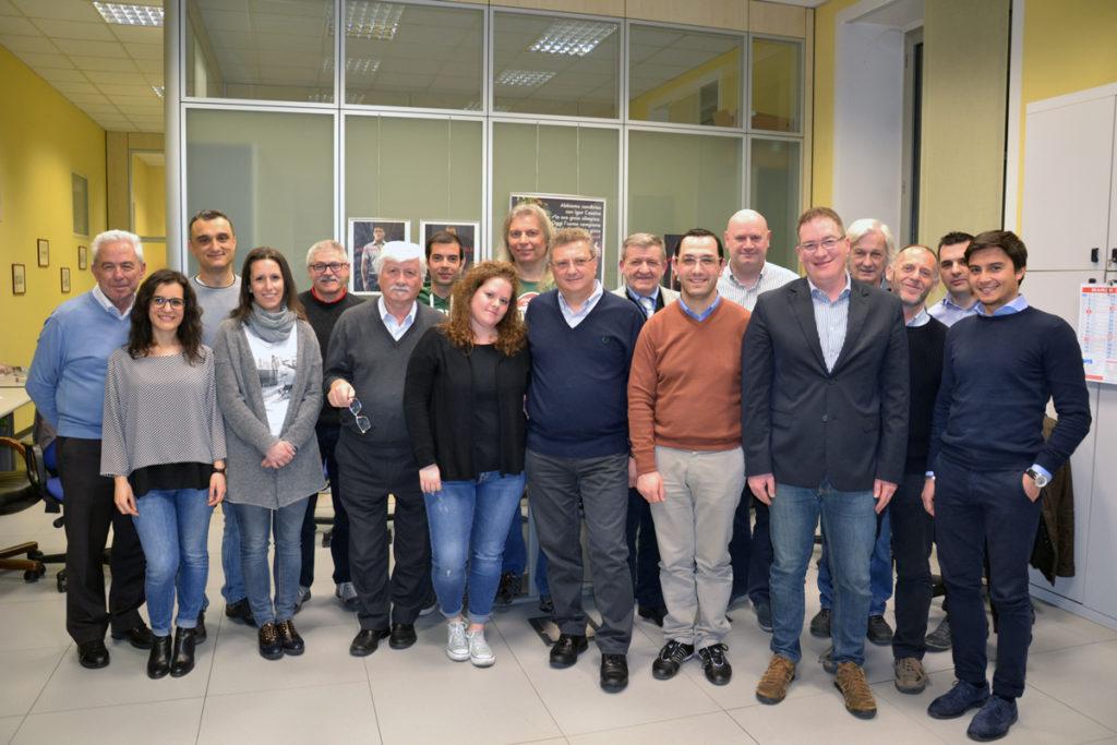 Il nuovo Consiglio Direttivo di Avis provinciale Mb: al centro il presidente Molinari